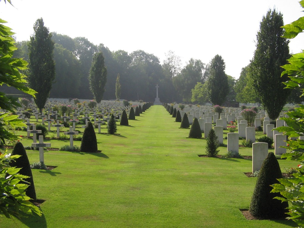 Ecoives Military Cemetery, Mont-St-Eloi